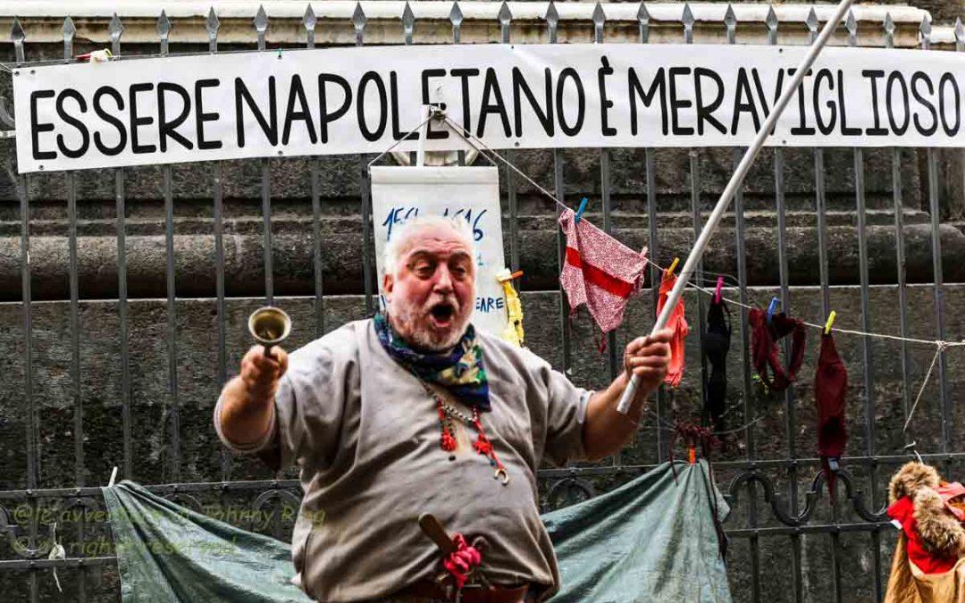 Le 4 sfilate di Napoli e la giungla dei social