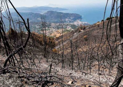 Monte Faito, terra bruciata con Punta Campanella sullo sfondo
