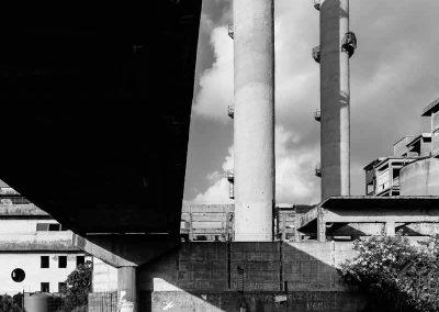 Sotto il ponte dell'ex cementir a Bagnoli
