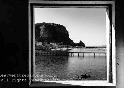 Una finestra su Coroglio